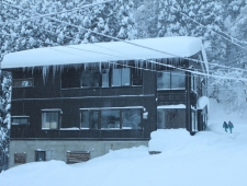 ski-lodge-nozawa-snow1